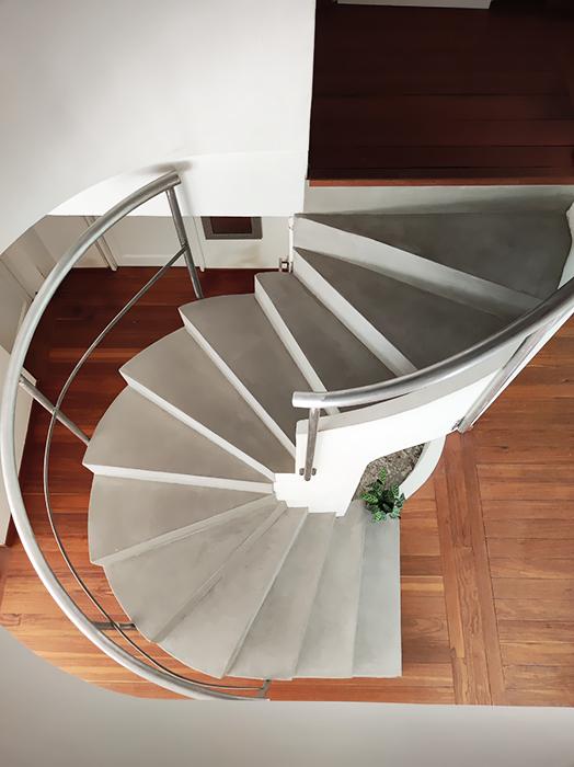 Escalier béton ciré Claire khouri