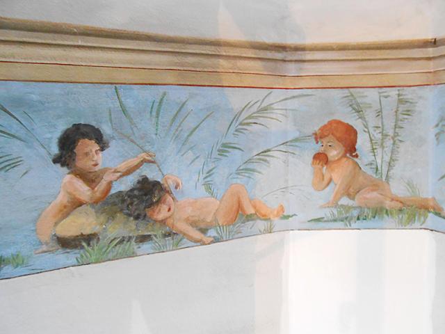 Restauration décor peint mur paradis